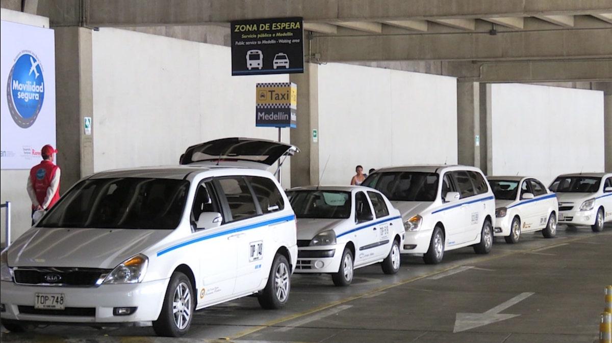 Taxi Blanc Medellin